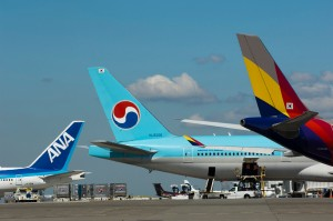 International carriers at Sea-Tac, 24 August 2012