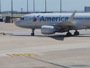 An American A319 at DFW (by Ryan Ewing)