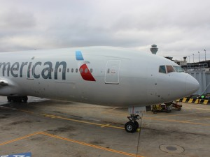 An American 777-200 at ORD (by Ryan Ewing)