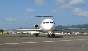 A DAE aircraft taxis at SXM (Photo provided by Ian McMurtry)