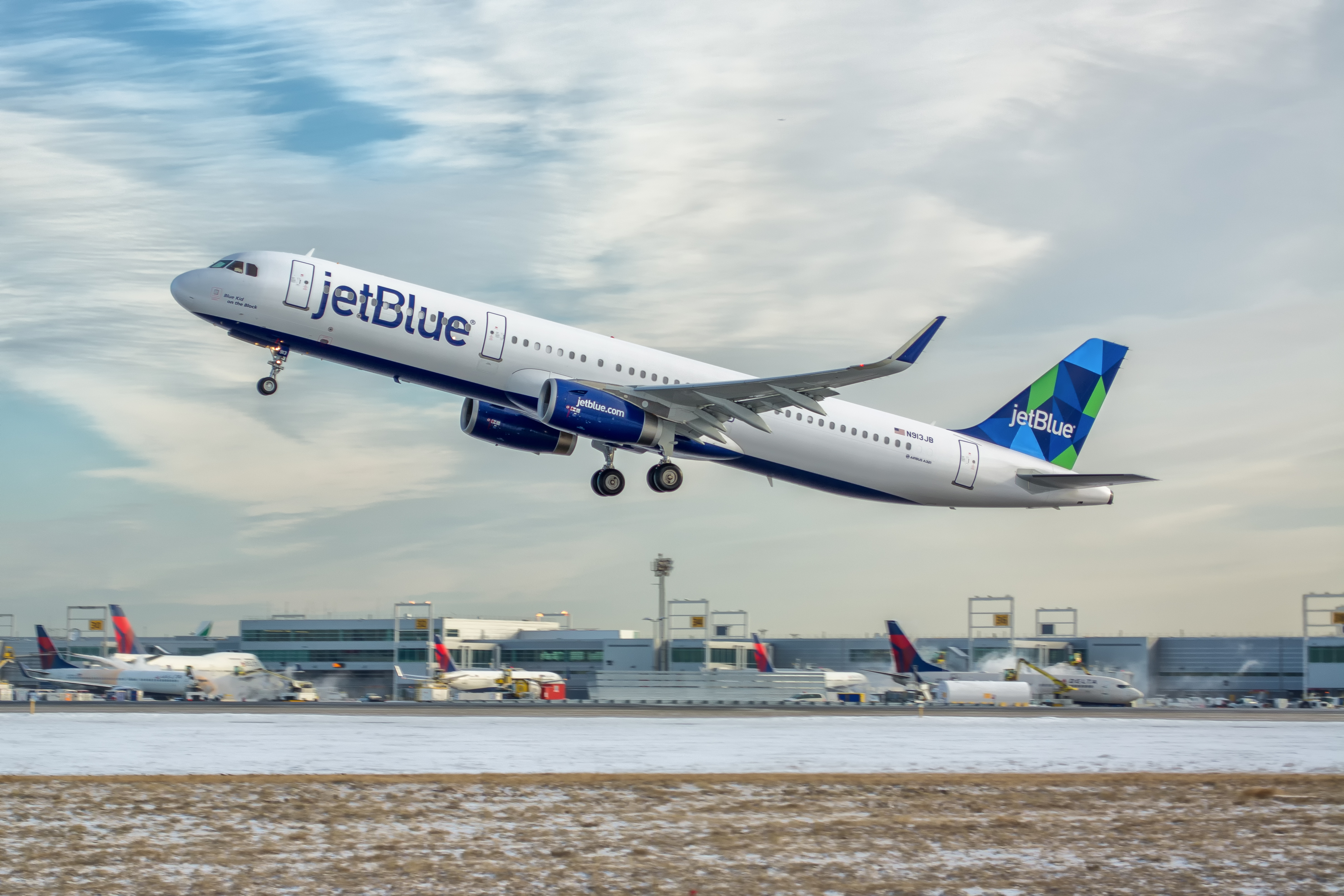 United Abandons Jfk While Jetblue Grows Airlinegeeks Com