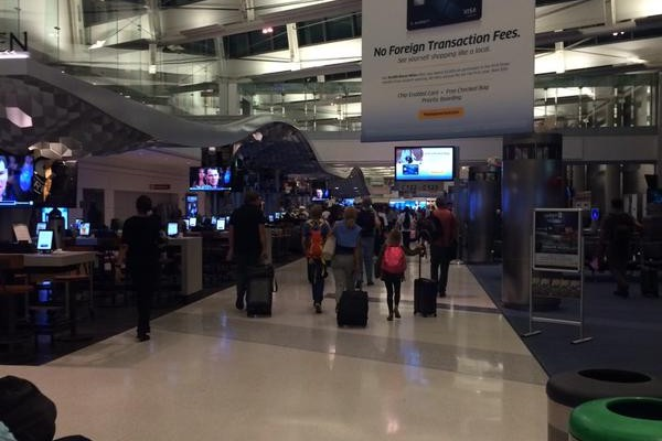 Passengers finally getting back to their gates.  Photo courtesy of : @juliesauch
