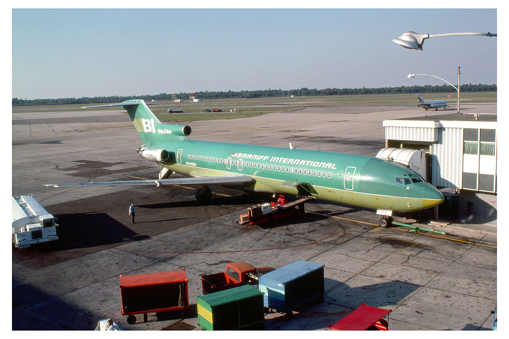 1024px-Braniff_International_727_(6154295566)