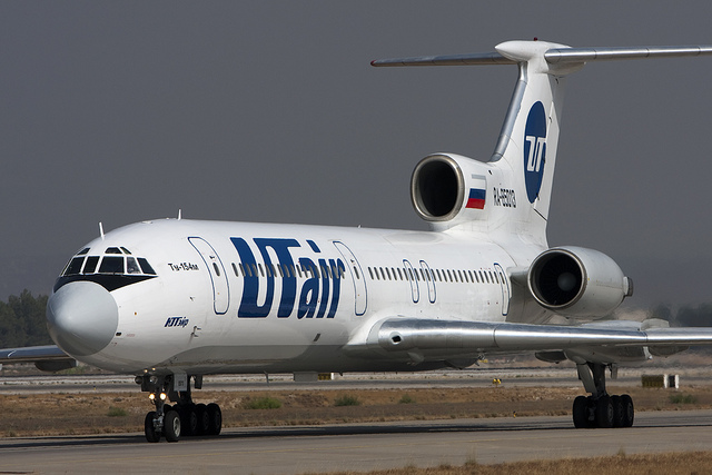 A UTAir Tu154 (Photo provided by Maarten Visser, Flickr. CC License: https://creativecommons.org/licenses/by-sa/2.0/. No changes were made.)