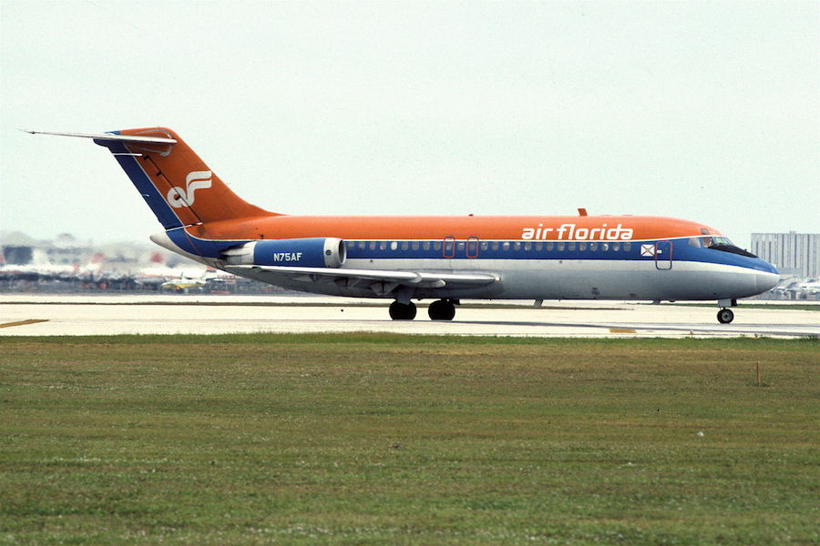 Photo provided by Aero Icarus from Zürich, Switzerland (Air Florida DC-9-15RC; N75AF, December 1980/ CDX) [CC BY-SA 2.0 (http://creativecommons.org/licenses/by-sa/2.0)], via Wikimedia Commons