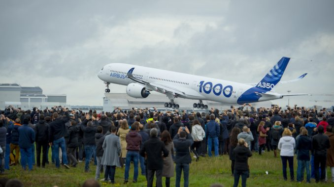 Airbus A350-1000 stages maiden flight