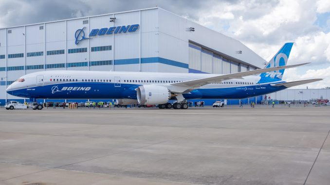 787 10 Dreamliner >> All Nippon Airways Receives First 787 10 Dreamliner Airlinegeeks Com