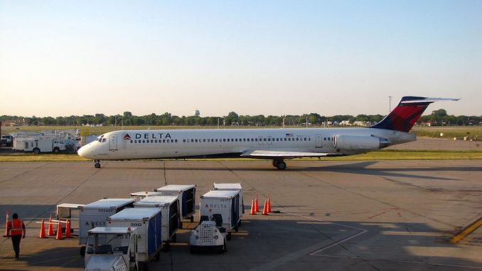Delta to Expedite Promotions for MD-88 'Mad Dog' Pilots