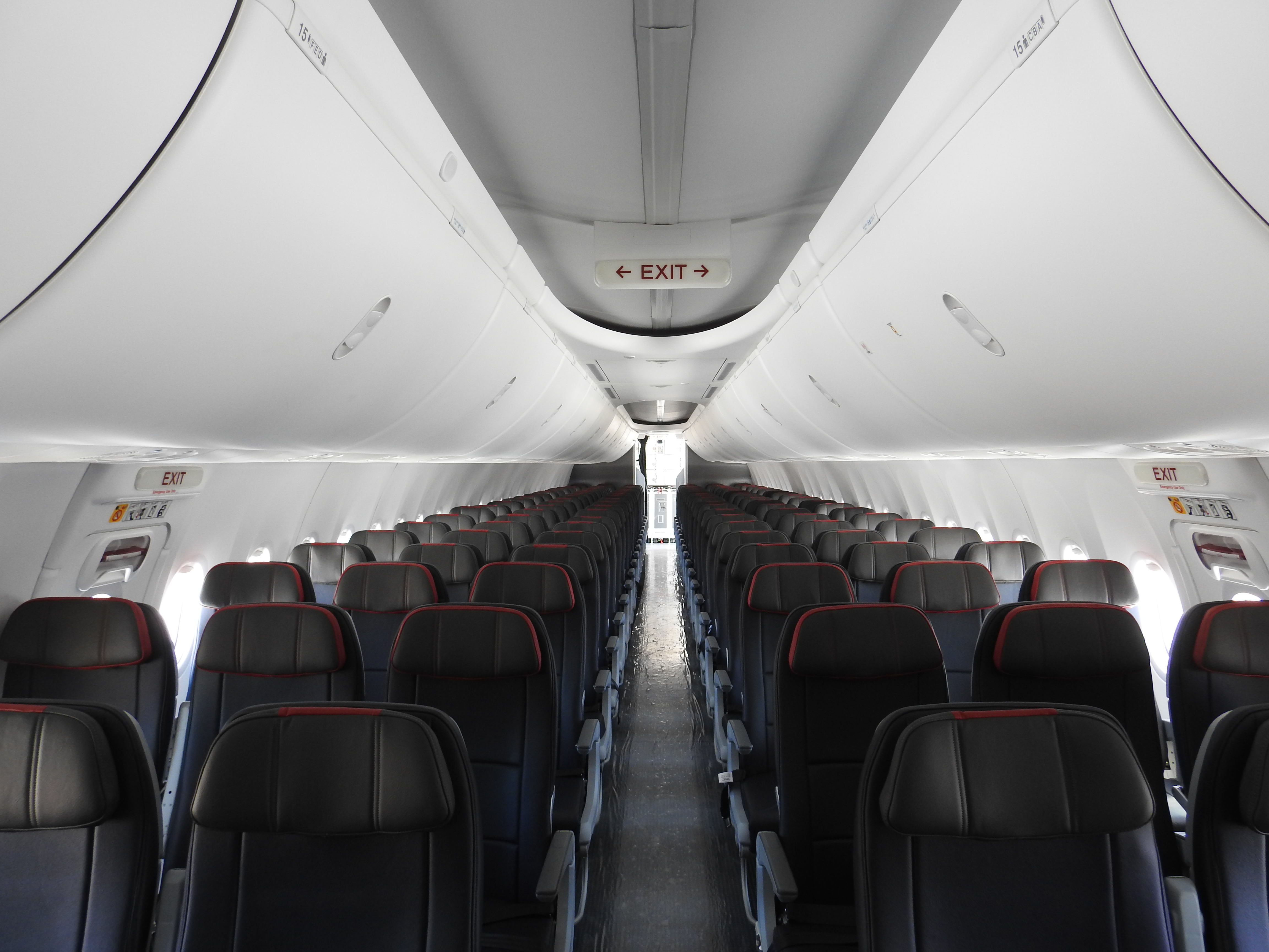 Inside American S First Boeing 737 Max 8 At The Tulsa Maintenance Base Airlinegeeks Com