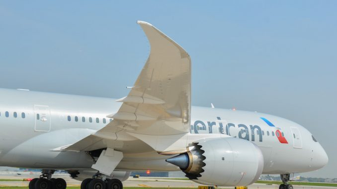 American's first 787 taxis at Chicago O'Hare