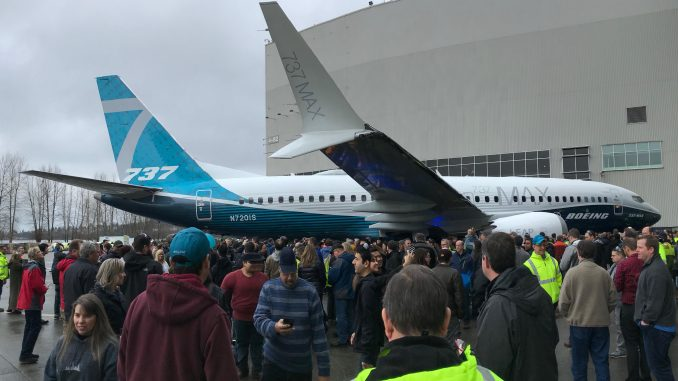 The 737 MAX 7 features a modified split-scimitar winglet