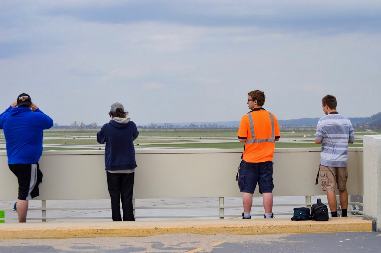 Local Omaha plane spotters wait for Air Canada to arrive. (Photo: AirlineGeeks | Matthew Garcia)