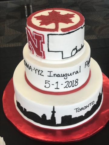 Celebratory cake in Omaha for the new route. (Photo: Eppley Airfield)