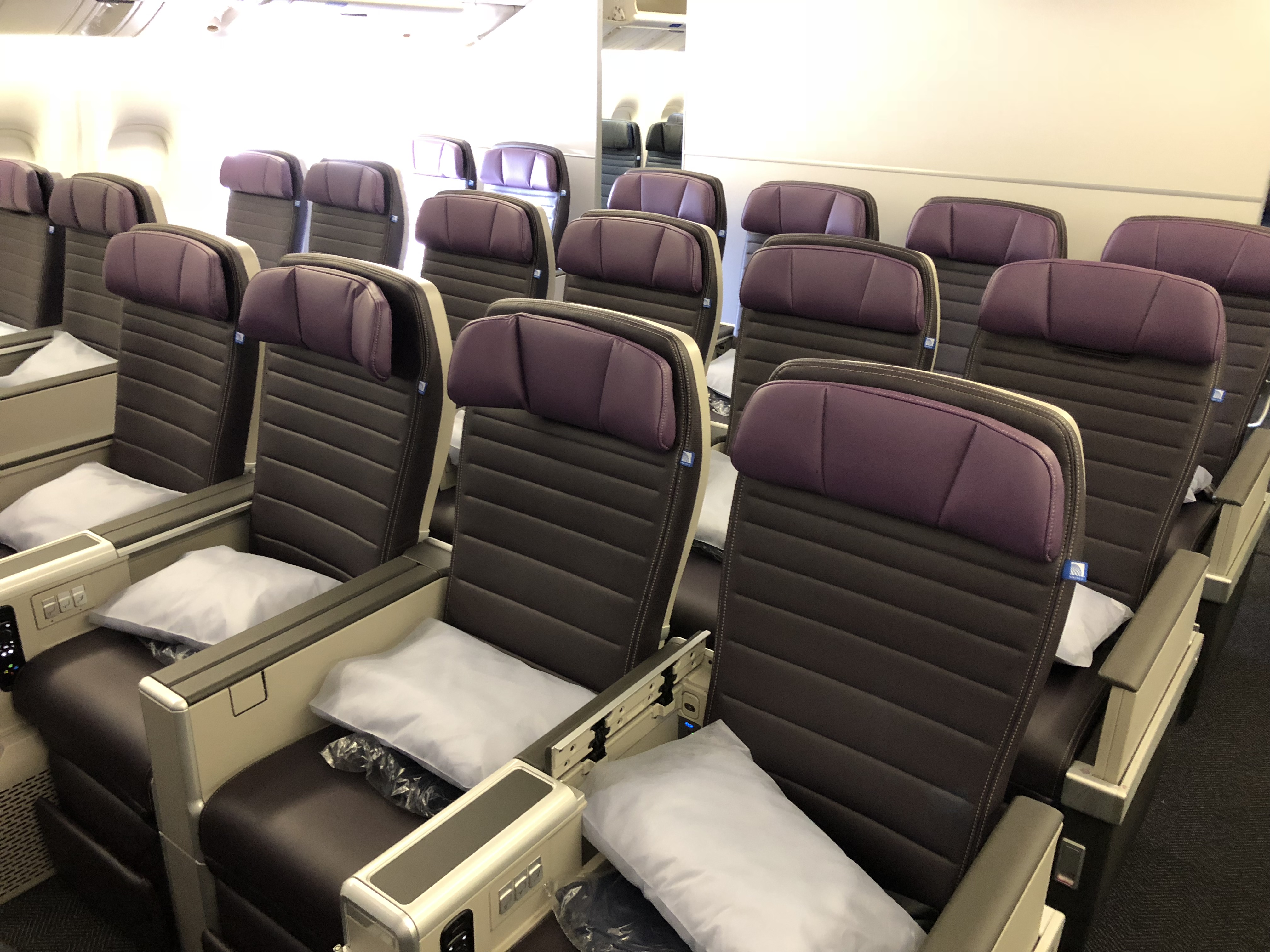 Photos: United Debuts Premium Plus Seating on a Boeing 777-200