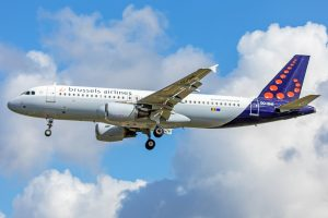Brussels Airlines A320 London Heathrow approach