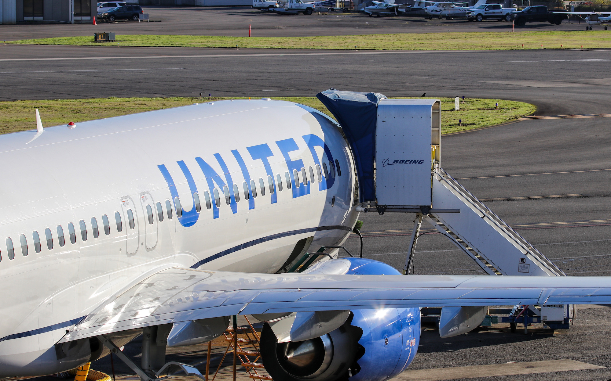 United Receives First Boeing 737 MAX 8, Builds Anticipation For Mega Order � AirlineGeeks.com